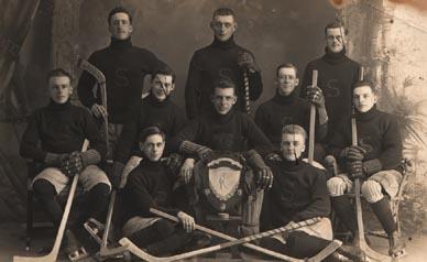1915hockeypostcard