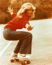 Frarrah_fawcett_skateboard